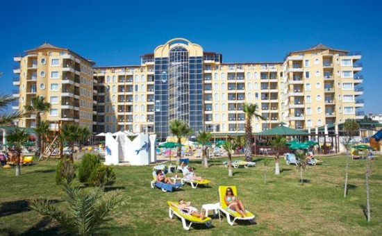 D�D�M BEACH RESORT